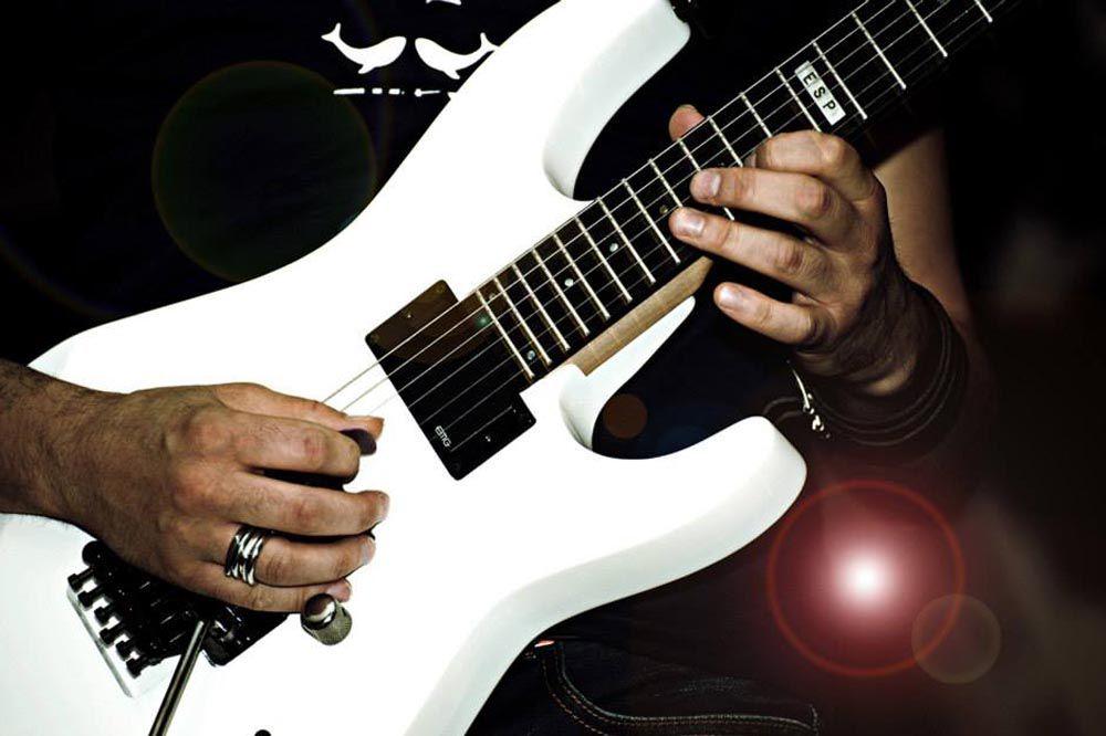 Alex e la sua chitarra